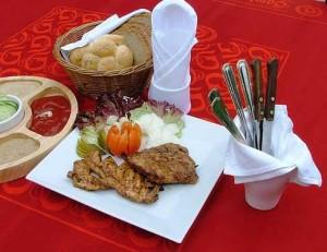 u Raka – zahrádka – steaky na grilu